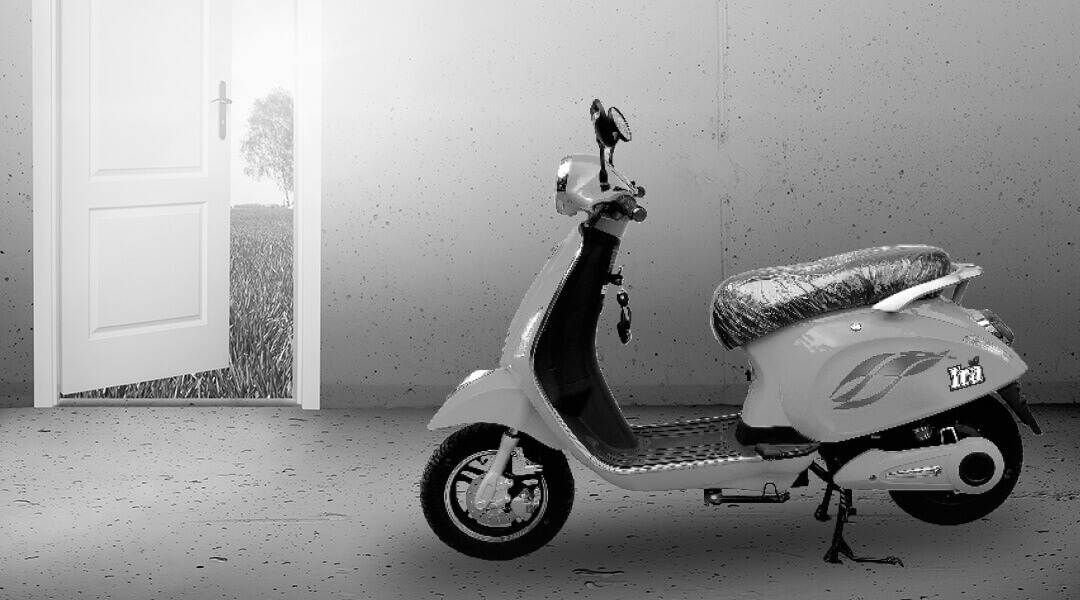 IRA electric scooter Features